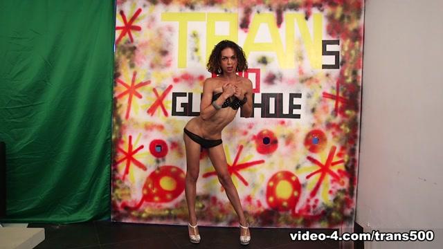 Bella Rosario In Descendant.rosario's Gloryhole Practice – Trans500
