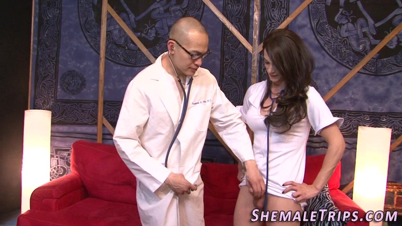 Rump Screwing Transsexual Nurse Finishes Off