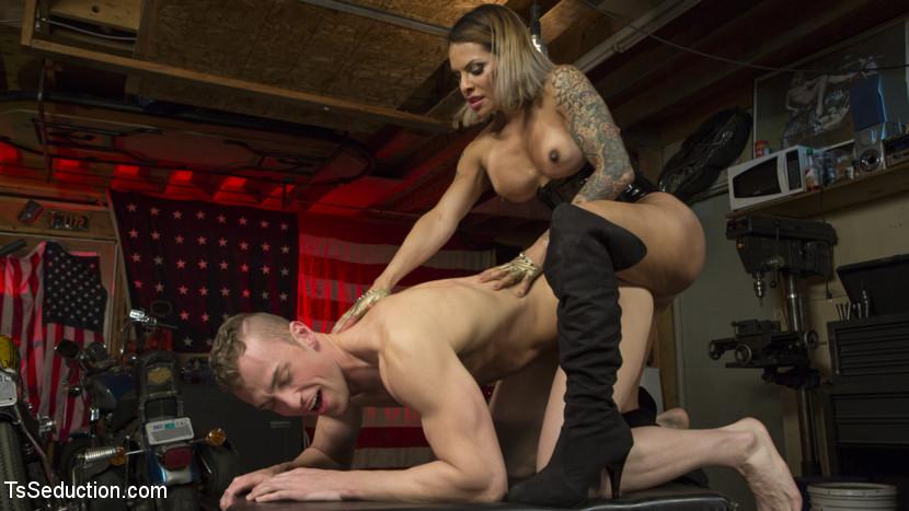 Ts Foxxy & Alrik Angel In Transsexual Foxxy Crams Alrik Angel's Tank With Stiff Trouser Snake – Tsseduction